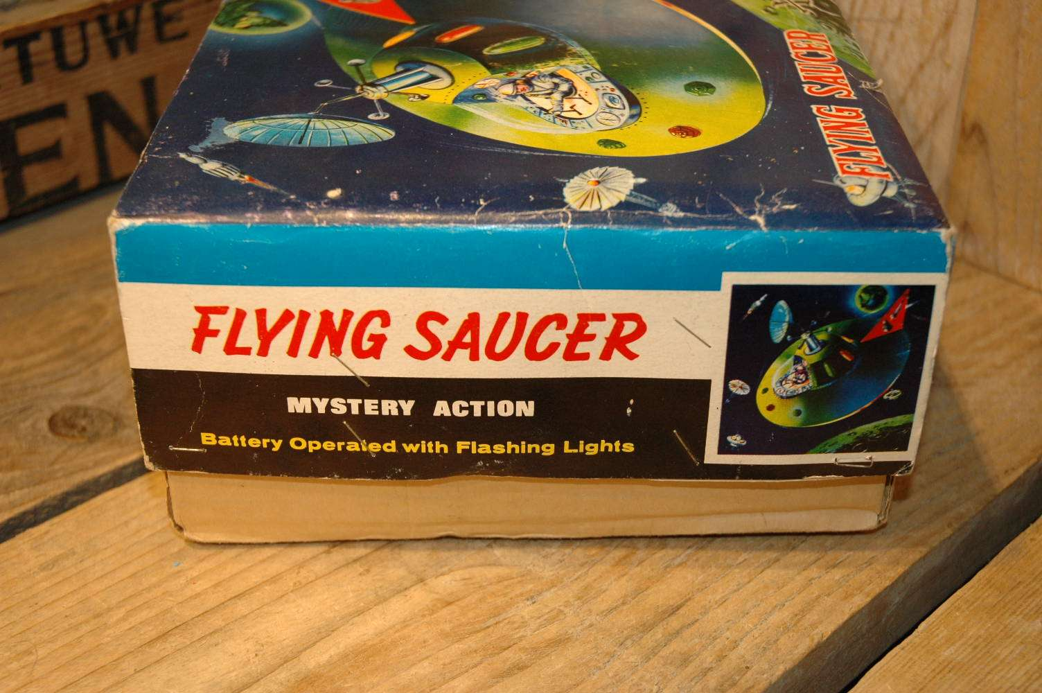 Hong Kong - Flying Saucer XX7