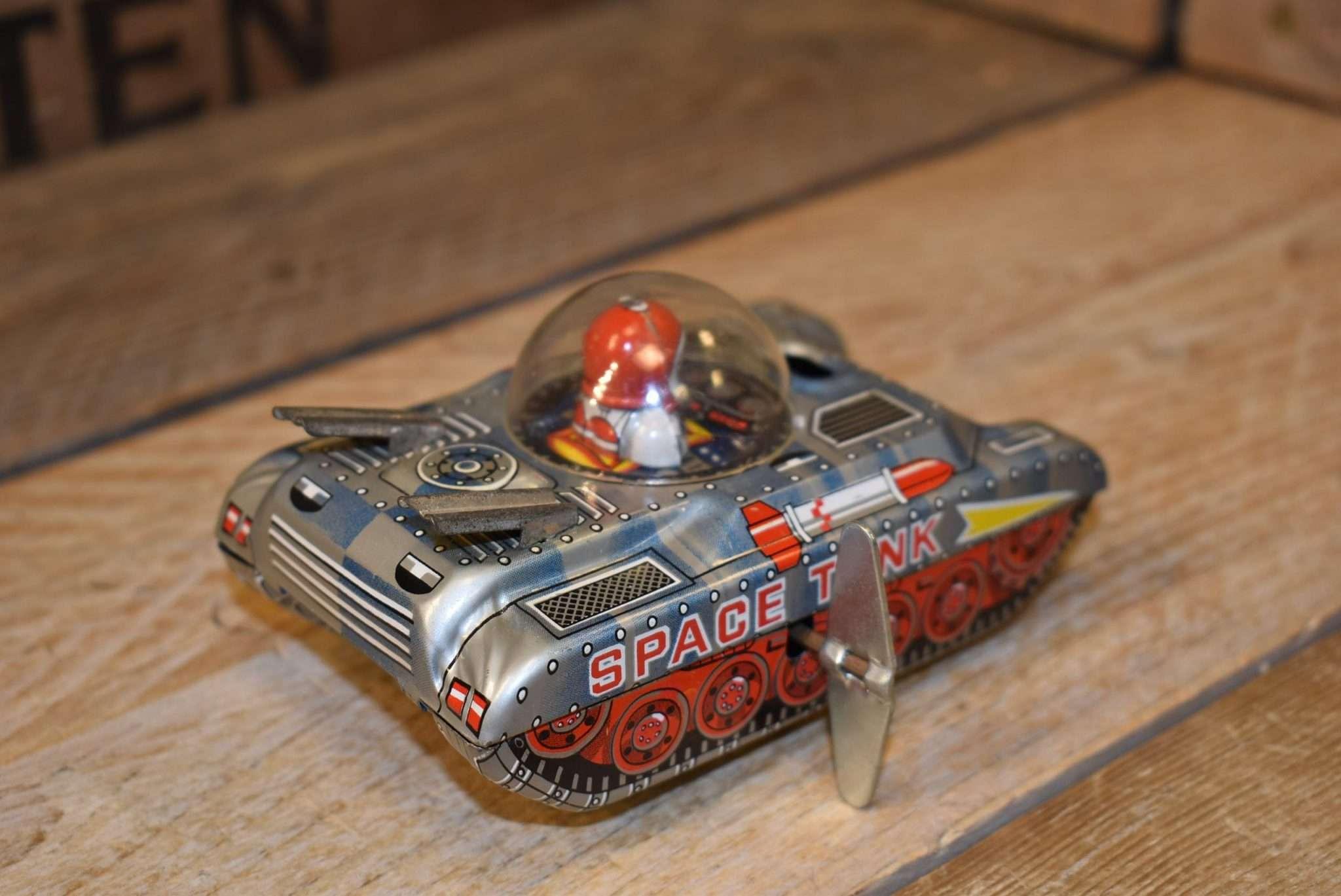 TT - Space Tank